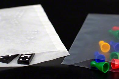 Beutel aus Kunststoff und Papier