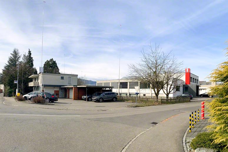 Das Baugelände mit der alten Poststelle