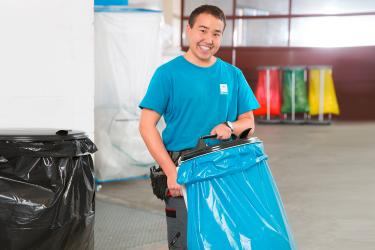Im Müllsack ist der Abfall schnell entsorgt