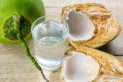 Die Kokossnuss schützt ihren Inhalt auf vielfältige Weise